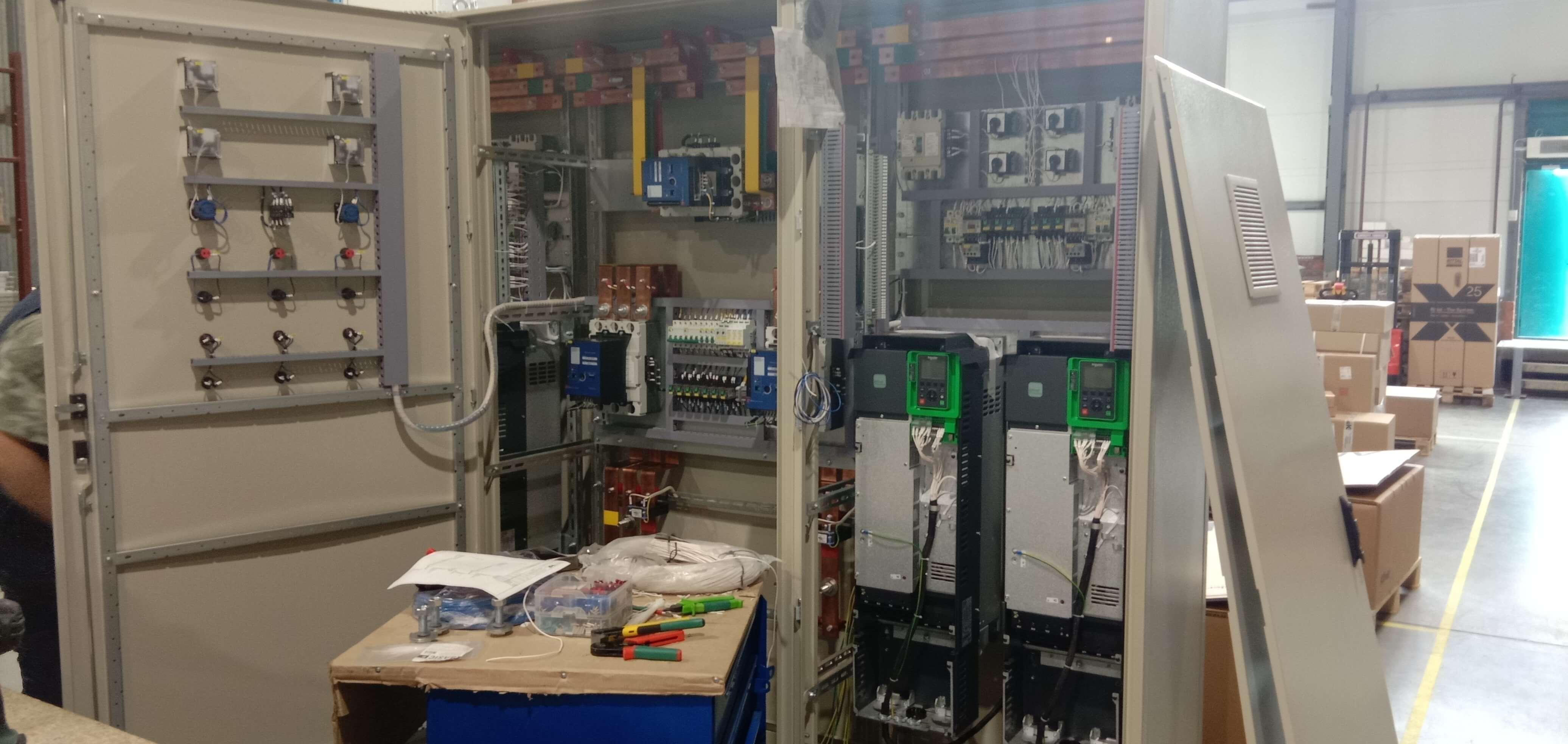 Сборка шкафа управления вентиляторами градирни