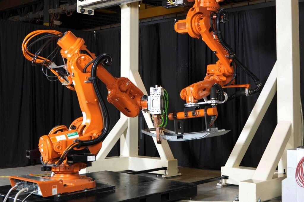 Промышленные роботы для сварки