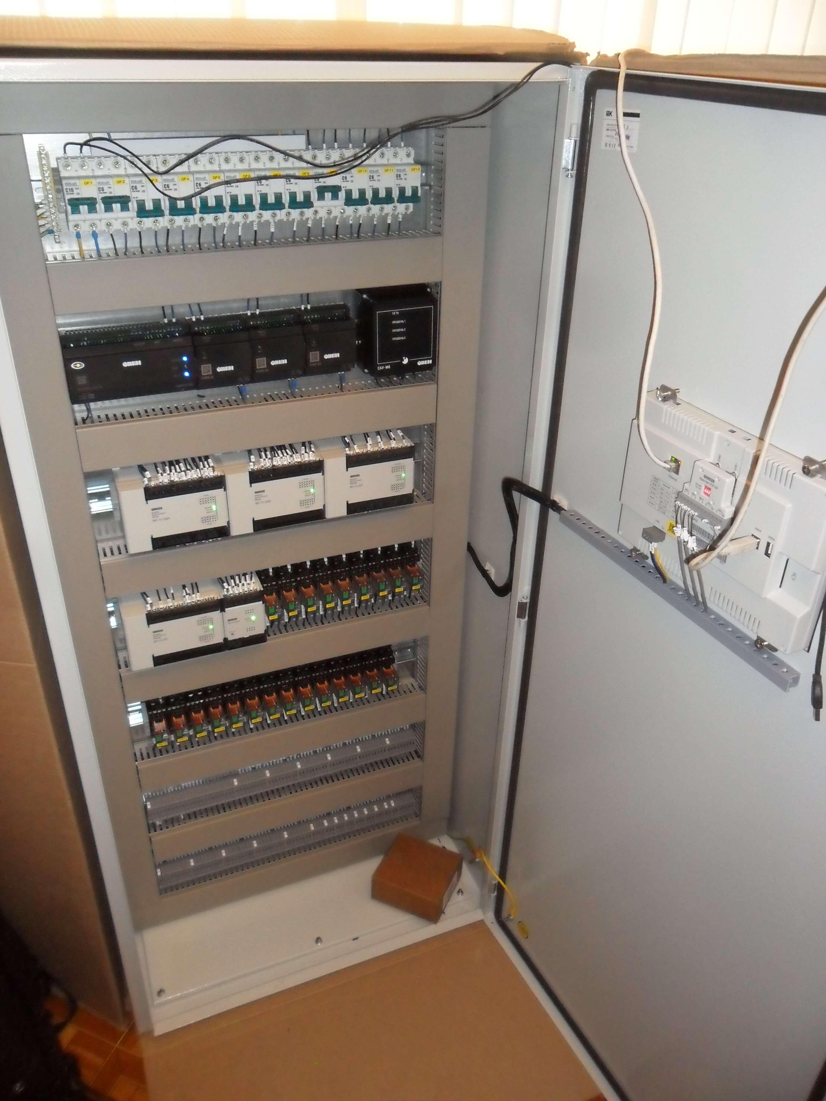 Шкаф управления — основной элемент системы АСУ ТП.